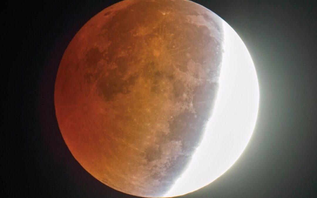 Eclipse en Capricornio